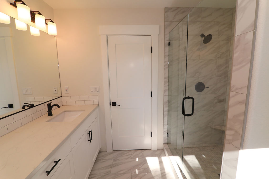 Bathroom with Open Tile Shower